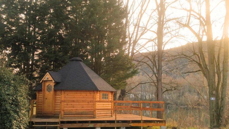 Hébergement insolite en Ardèche au camping d'Andance près du safari de Peaugres